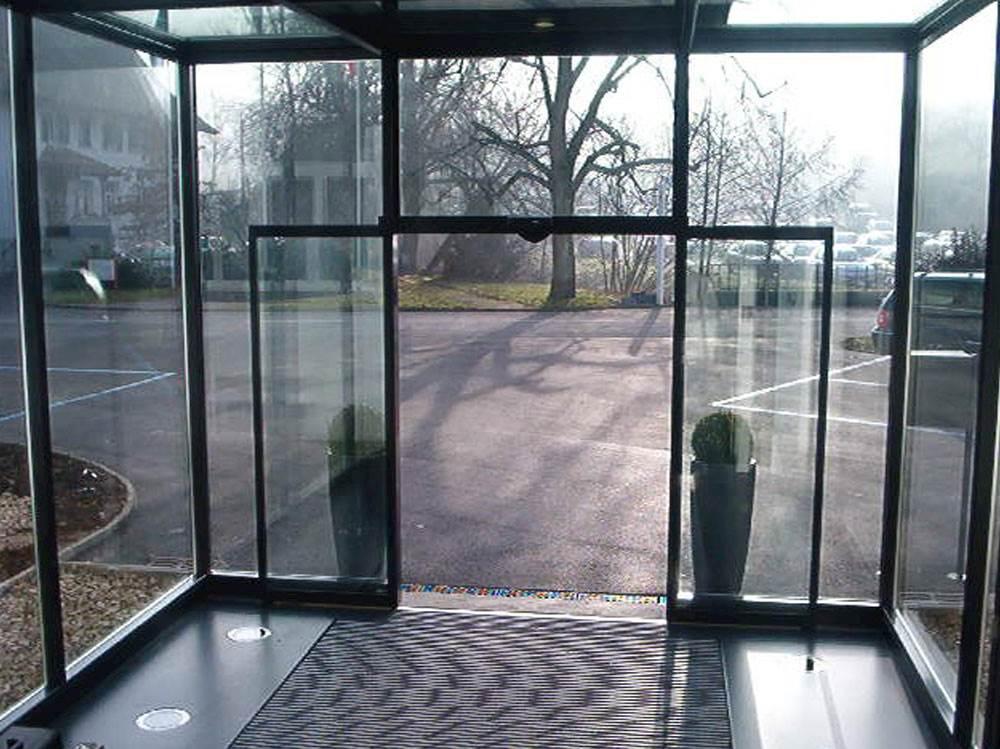 قیمت شیشه پنجره