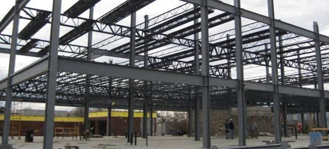 آشنایی_با_سازه_های_فولادی.jpgفولاد ، آلیاژی است از آهن و کربن که میزان کربن آن کمتر از 2 درصد است . فولاد ساختمانی علاوه بر کربن ناخالصیهای دیگری مانند فسفر ، سولفور ، اکسیژن و ...